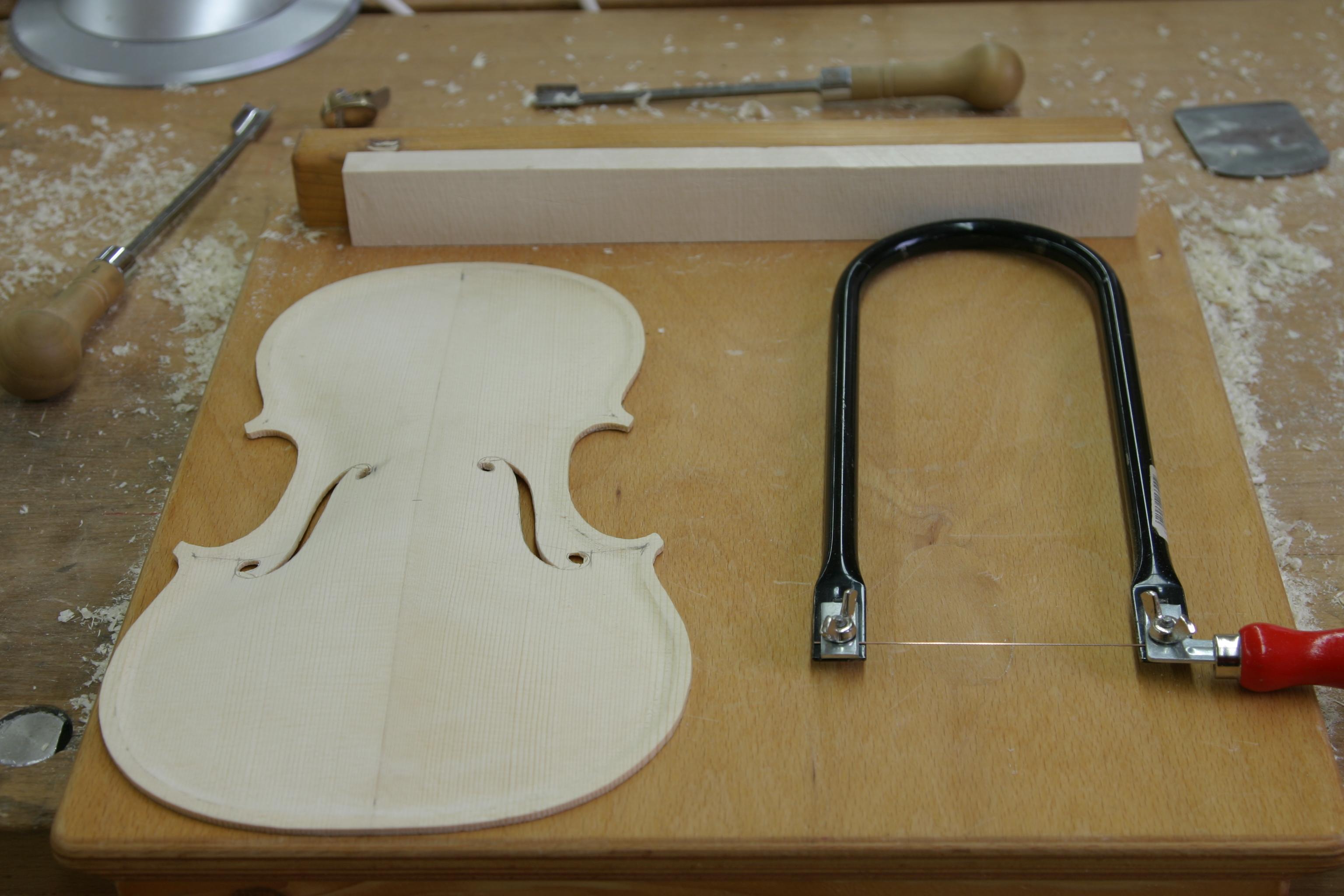 Geigenbau-Grundkurs_Dictum-Workshop-554786b5d60811 Incroyable De Tables Basses Design Des Idées